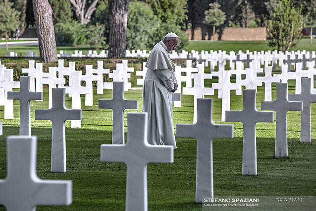 Pope Francis during a visit at the U.S. World War II cemetery on the day Christians around the world commemorate their dead, in Nettuno, near Rome, on November 2, 2017.