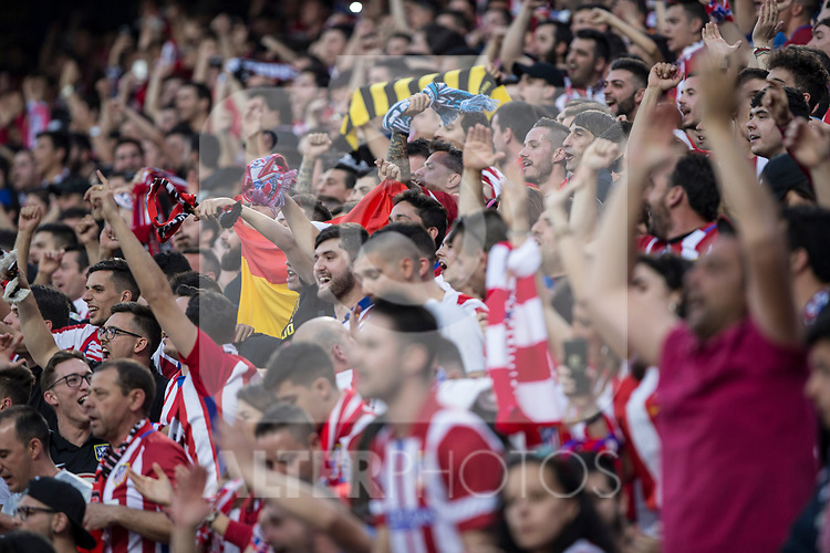 Supporters of Atletico de Madrid  during the match of  Champions LEague between  Atletico de Madrid and LEicester City Football Club at Vicente Calderon  Stadium  in Madrid, Spain. April 12, 2017. (ALTERPHOTOS / Rodrigo Jimenez)