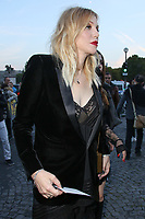 COURTNEY LOVE - ASSISTE AU DEFILE DE LA COLLECTION PRET A PORTER PRINTEMPS/ETE 2018 'YVES SAINT LAURENT' PENDANT LA FASHION WEEK A PARIS, FRANCE, LE 26/09/2017.