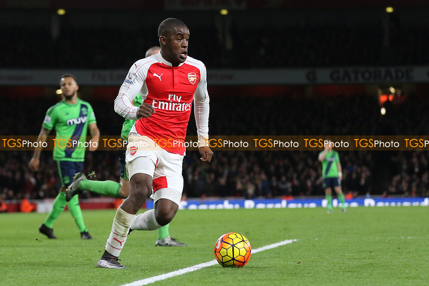 Joel Campbell of Arsenal races into the Southampton penalty area during Arsenal vs Southampton, Barclays Premier League Football at the Emirates Stadium
