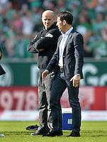 FUSSBALL   1. BUNDESLIGA   SAISON 2012/2013    32. SPIELTAG SV Werder Bremen - TSG 1899 Hoffenheim             04.05.2013 Thomas Eichin (re) und Trainer Thomas Schaaf (li, beide SV Werder Bremen) nach dem Abpfiff