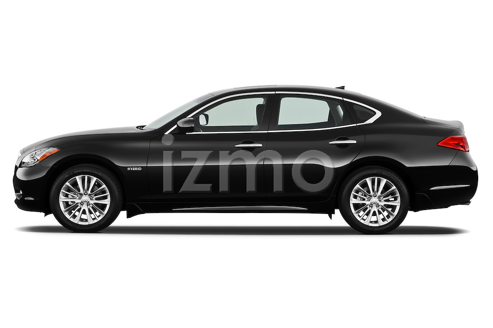 Driver side profile view of a 2012 Infiniti M Hybrid .