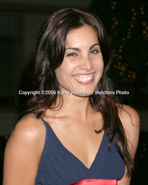 "Carly Pope.""Dirt"" Screening.Paramount Theater, Paramount Studios.Los Angeles, CA.December 9, 2006.©2006 Kathy Hutchins / Hutchins Photo."