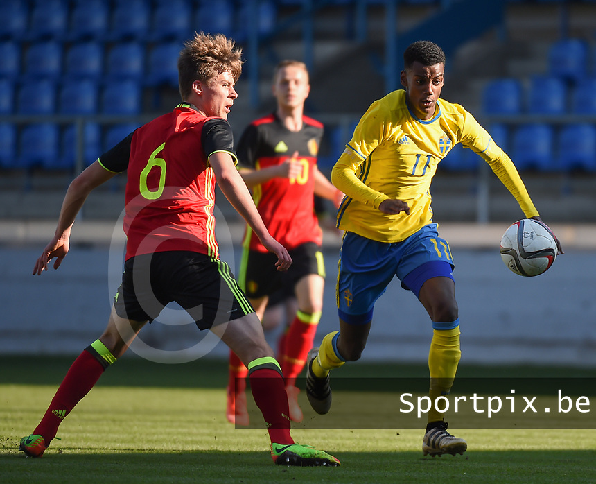 20170323 - BEVEREN , BELGIUM : Swedish Aleksander Isak (R) and Belgian Rubin Seigers (L) pictured during the UEFA Under 19 Elite round game between Sweden U19 and Belgium U19, on the first matchday in group 7 of the Uefa Under 19 elite round in Belgium , thursday 23 th March 2017 . PHOTO SPORTPIX.BE | DIRK VUYLSTEKE