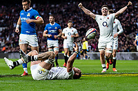 Brad Shields of England powers to the line to score his try and celebrates during the Guinness Six Nations match between England and Italy at Twickenham Stadium on March 9th, 2019 in London, United Kingdom. Photo by Liam McAvoy.