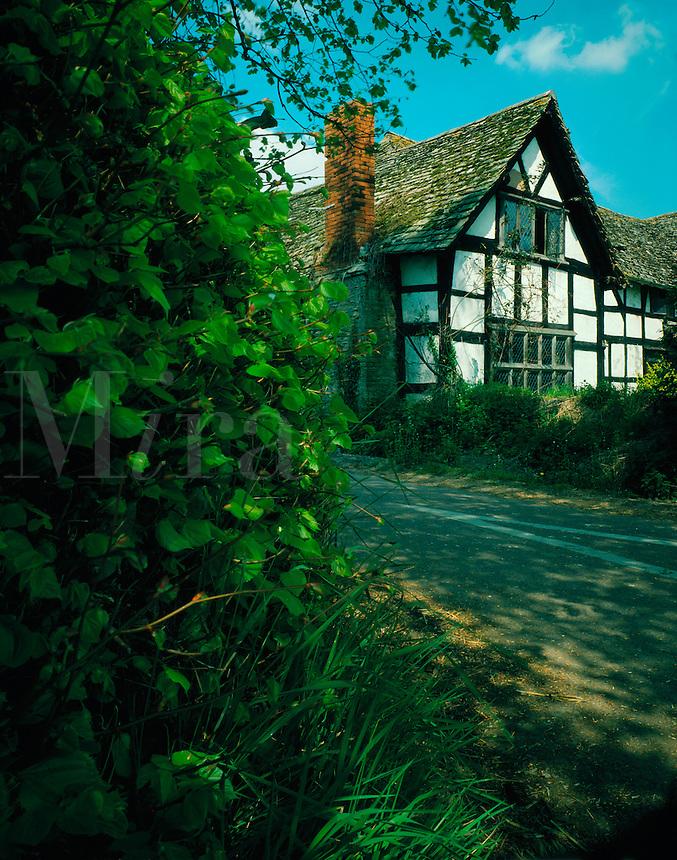 .Half-timbered, Elizabethan-style house at Eardisland, Herefordshire, England...