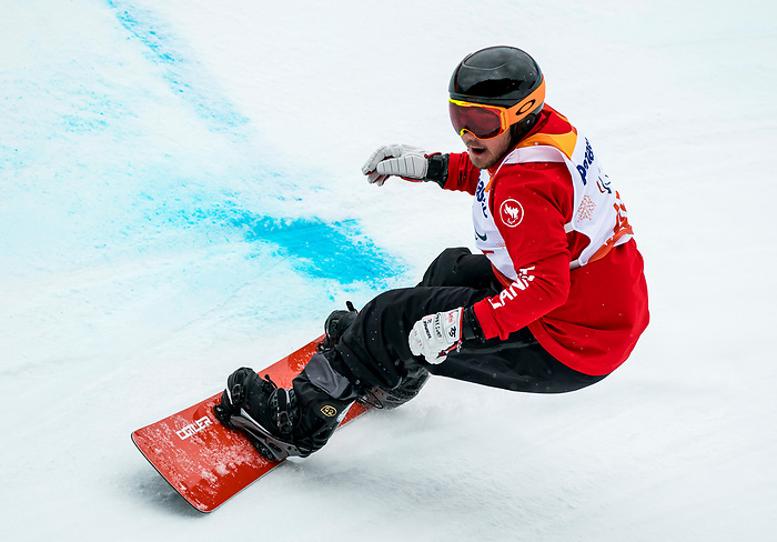 PyeongChang 16/3/2018 - Alex Massie during the snowboard banked slalom at the Jeongseon Alpine Centre during the 2018 Winter Paralympic Games in Pyeongchang, Korea. Photo: Dave Holland/Canadian Paralympic Committee