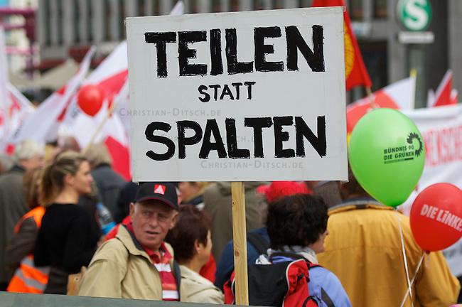 Demonstration umFAIRteilen in Berlin.<br /> Anlaesslich eines bundesweiten Aktionstag unter dem Motto &quot;umFAIRteilen&quot; demonstrierten am Samstag den 29. September 2012 etwa 2.000 Menschen in Berlin.<br /> Aufgerufen hatte ein Buendnis aus Sozialverbaenden und Gewerkschaften. Das Beundnis forderte u.a. eine Vermoegensteuer und eine einmalige Vermoegensabgabe, um o?ffentliche und soziale Ausgaben gerecht finanzieren und die Verschuldung abbauen.<br /> 29.9.2012, Berlin<br /> Copyright: Christian-Ditsch.de<br /> [Inhaltsveraendernde Manipulation des Fotos nur nach ausdruecklicher Genehmigung des Fotografen. Vereinbarungen ueber Abtretung von Persoenlichkeitsrechten/Model Release der abgebildeten Person/Personen liegen nicht vor. NO MODEL RELEASE! Nur fuer Redaktionelle Zwecke. Don't publish without copyright Christian-Ditsch.de, Veroeffentlichung nur mit Fotografennennung, sowie gegen Honorar, MwSt. und Beleg. Konto: I N G - D i B a, IBAN DE58500105175400192269, BIC INGDDEFFXXX, Kontakt: post@christian-ditsch.de<br /> Bei der Bearbeitung der Dateiinformationen darf die Urheberkennzeichnung in den EXIF- und  IPTC-Daten nicht entfernt werden, diese sind in digitalen Medien nach &sect;95c UrhG rechtlich geschuetzt. Der Urhebervermerk wird gemaess &sect;13 UrhG verlangt.]