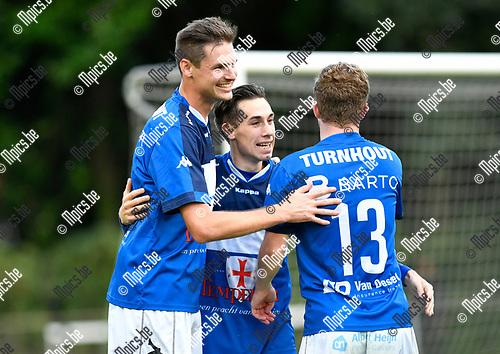 2017-08-19 / voetbal / Seizoen 2016 - 2017 / FC Turnhout - Harelbeke / Jelle Schijvenaars (l) (Turnhout) heeft gescoord en viert dat met Steven Dillen (m) (Turnhout) en Nick Van de Walle (Nr 13) (Turnhout)