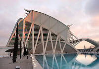Museum of Sciences Principe Felipe, 40,000 square meters devoted to bringing science and technology closer to the public, City of Arts and Sciences, Valencia, Comunidad Valenciana, Spain ; 2000 ; Santiago Calatrava (Valencia, Spain, 1951) Picture by Manuel Cohen