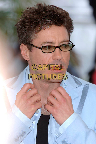 "ROBERT DOWNEY JNR.""Kiss Kiss Bang Bang"" photocall.Cannes Film Festival, France.May 14th 2005.Ref: PL.portrait headshot gesture tinted glasses .www.capitalpictures.com.sales@capitalpictures.com.©Capital Pictures.."