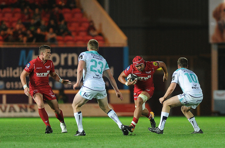 Scarlets' Josh Macleod in action during todays match<br /> <br /> Photographer Ashley Crowden/CameraSport<br /> <br /> Guinness Pro14  Round 5 - Scarlets v Connacht Rugby - Friday 29th September 2017 - Parc y Scarlets - Llanelli<br /> <br /> World Copyright &copy; 2017 CameraSport. All rights reserved. 43 Linden Ave. Countesthorpe. Leicester. England. LE8 5PG - Tel: +44 (0) 116 277 4147 - admin@camerasport.com - www.camerasport.com