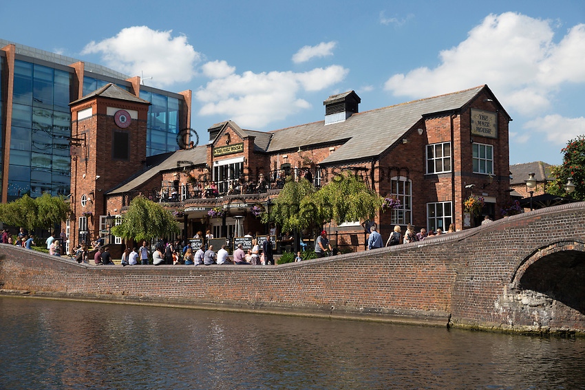 United Kingdom, England, West Midlands, Birmingham: The Malt House pub on the Birmingham Canal Old Line | Grossbritannien, England, West Midlands, Birmingham: The Malt House pub am Birmingham Canal Old Line