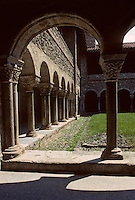 Europe/France/Midi-Pyrénées/09/Ariège/Saint-Lizier: La cathédrale - Le cloitre