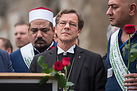 """Der """"Marsch der Muslime gegen Terrorismus"""" am Sonntag den 9. Juli 2017 in Berlin.<br /> Etwa sechzig Imame aus Frankreich und anderen europaeischen Laendern, darunter auch sechs Imame aus Berlin werden ab dem 9. Juli 2017 in europaeische Staedte fahren, wo es in den letzten Jahren besonders schwere islamistisch motivierte Terroranschlaege gegeben hat.In Berlin versammelten sie sich zusammen mit Mitgliedern der christlichen und juedischen Gemeinde an der Kaiser-Wilhelm-Gedaechtnis-Kirche in Berlin-Charlottenburg wo im Dezember 2016 einen Anschlag auf den Weihnachtsmarkt gegeben hatte.<br /> Der franzoesische Imam Hassen Chalghoumi aus dem Pariser Vorort Drancy engagiert sich seit vielen Jahren fuer ein friedliches Miteinander der Religionen, insbesondere im Verhaeltnis der Muslime zum Judentum. Zusammen mit seinem Freund, dem juedischen Schriftsteller Marek Halter, der seit Jahrzehnten in gleicher Weise engagiert ist hat er den """"Marche des musulmans contre le terrorisme"""" initiert. Sie wollen nach Bruessel, Paris, St.-Etienne-du-Rouvray, Toulouse und Nizza und dort oeffentlich fuer die Opfer beten und gegen einen Missbrauch des Islam durch Terroristen und menschenfeindliche Gruppen eintreten.<br /> Die Evangelische Kirche Berlin-Brandenburg-schlesische Oberlausitz unterstuetzt das Anliegen der """"Marche des musulmans contre le terrorisme"""". Der Landesbischof Dr. Markus Droege hat an dem Gebet der Muslime auf dem Breitscheidplatz als Gast teilgenommen und einen Segen fuer die Teilnehmer ausgesprochen.<br /> Im Bild: Landesbischof Droege.<br /> 9.7.2017, Berlin<br /> Copyright: Christian-Ditsch.de<br /> [Inhaltsveraendernde Manipulation des Fotos nur nach ausdruecklicher Genehmigung des Fotografen. Vereinbarungen ueber Abtretung von Persoenlichkeitsrechten/Model Release der abgebildeten Person/Personen liegen nicht vor. NO MODEL RELEASE! Nur fuer Redaktionelle Zwecke. Don't publish without copyright Christian-Ditsch.de, Veroeffentlichung nur mit Fotografennennung, sowie ge"""