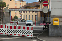 Switzerland. Canton Ticino. Vacallo. Swiss and Italian customs. No customs officers at work. Due to the Italian government's decision to impose travel restrictions in most of northern Italy over the Covid-19  (also called Coronavirus) outbreak, Swiss customs should normaly control Italian citizens for working permits in Switzerland. 9.03.2020 © 2020 Didier Ruef