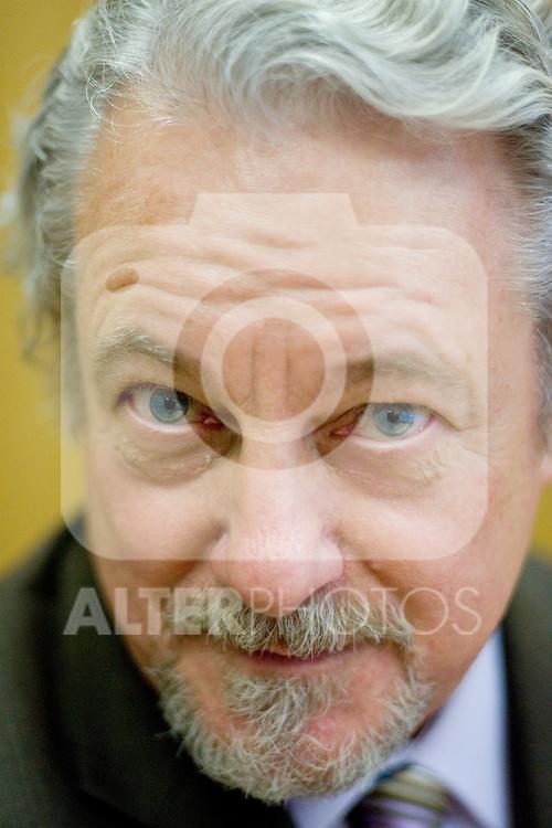 MADRID 05 DE OCTUBRE DE 2006. EL DIRECTOR DEL FESTIVAL DE OTOÑO JOSE MANUEL GOROSPE EN SU DESPACHO DE LA CONSEJERIA DE CULTURA DE LA COMUNIDAD DE MADRID. (FOTO/ALVARO HERNANDEZ).