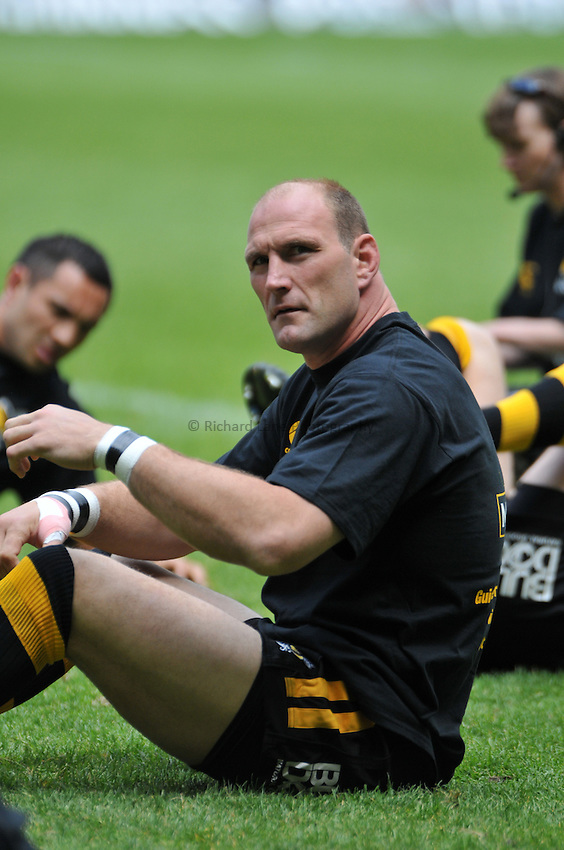 Photo: Tony Oudot/Richard Lane Photography. .Leicester Tigers v London Wasps. Guinness Premiership Final. 31/05/2008. .Lawrence Dallaglio of Wasps warms up before the match.