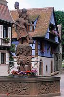 Europe/France/Alsace/68/Haut-Rhin/Kientzheim : Fontaine dont la décoration est vouée au vignoble alsacien