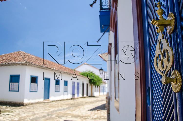Detalhe da maçaneta em casario no centro histórico, Paraty- RJ, 01/2014.