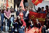 Roma, 19 Aprile 2017<br /> Susanna Camusso e i giovani universitari dell'UDU.<br /> La CGIL in Piazza della Rotonda al Pantheon in occasione della votazione al Senato per la conversione in legge del decreto per l'abolizione dei voucher e la reintroduzione della responsabilit&agrave; solidale negli appalti.