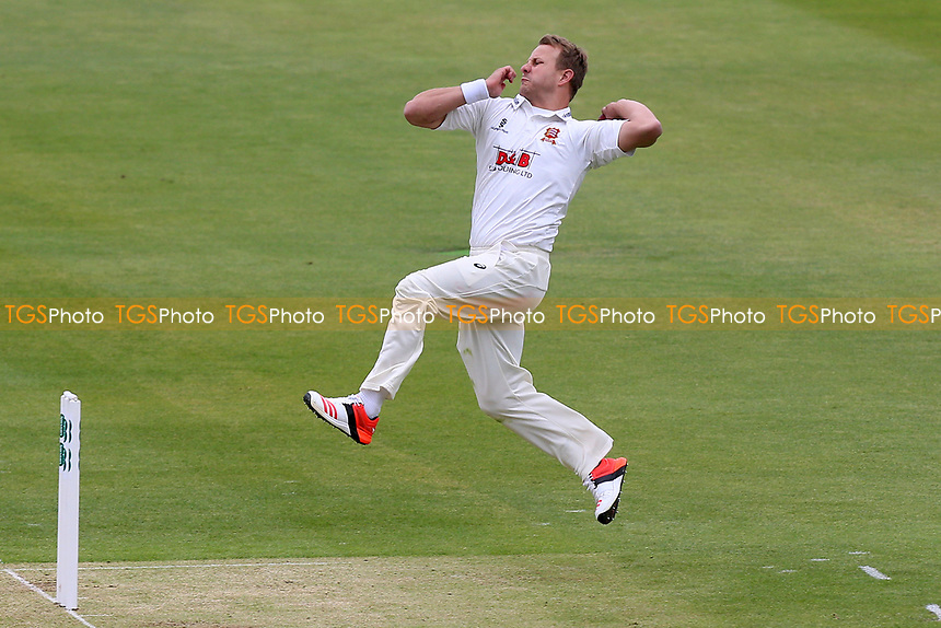 Neil Wagner in bowling action for Essex during Middlesex CCC vs Essex CCC, Specsavers County Championship Division 1 Cricket at Lord's Cricket Ground on 21st April 2017