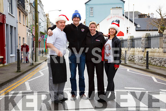 Christmas is coming to Cahersiveen picture here l-r; Rory McCarthy, Niall O'Driscoll, Tracey Fitzpatrick & Kiko Foster.