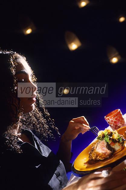 """Amérique/Amérique du Nord/USA/Etats-Unis/Vallée du Delaware/Pennsylvanie/Philadelphie : Souris d'agneau sur gratin de fenouil et tapenade au poivron rouge - Recette de Chris Painter chef du restaurant """"Tangerine"""" 232 Market Street"""