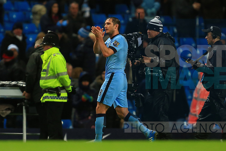 Frank Lampard of Manchester City applauds the fans - Manchester City vs. Sunderland - Barclay's Premier League - Etihad Stadium - Manchester - 28/12/2014 Pic Philip Oldham/Sportimage