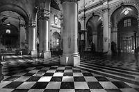 Lecce - Duomo - Ingresso laterale