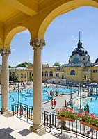 HUN, Ungarn, Budapest, Stadtteil Pest: Széchenyi-Thermalbad im Stadtwaeldchen | HUN, Hungary, Budapest, Pest District: Széchenyi-hot springs