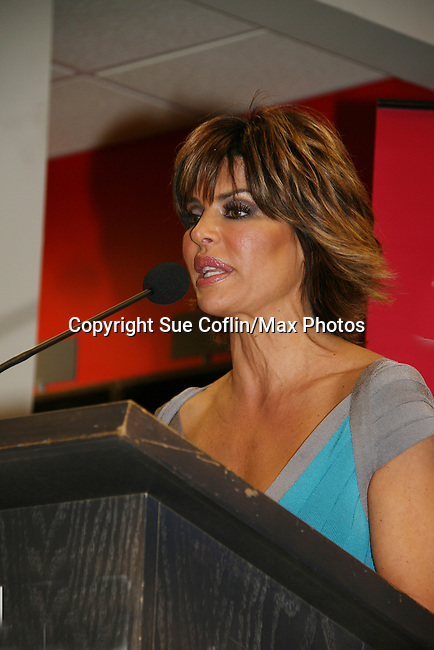 Before signing, Lisa did a q & a and talked some about her book and life. Lisa Rinna new book Rinnavation - Getting Your Best Life Ever debuts today, May 19. 2009 at Borders at Columbus Circle, New York City, New York. (Photo by Sue Coflin/Max Photos)