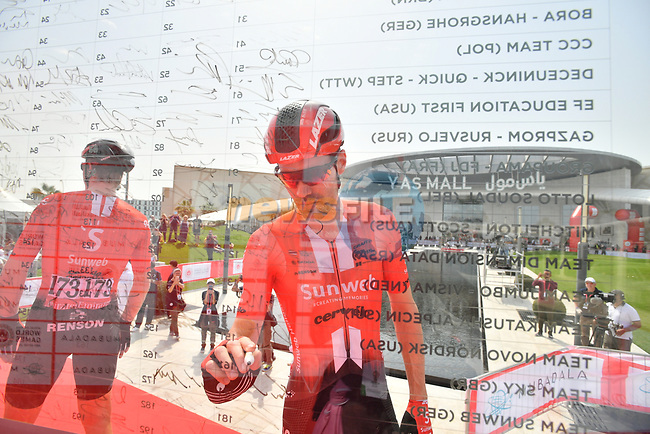 Tom Dumoulin (NED) Team Sunweb signs on before the start of Stage 2 of the 2019 UAE Tour, running 184km form Yas Island Yas Mall to Abu Dhabi Breakwater Big Flag, Abu Dhabi, United Arab Emirates. 25th February 2019.<br /> Picture: LaPresse/Massimo Paolone | Cyclefile<br /> <br /> <br /> All photos usage must carry mandatory copyright credit (© Cyclefile | LaPresse/Massimo Paolone)