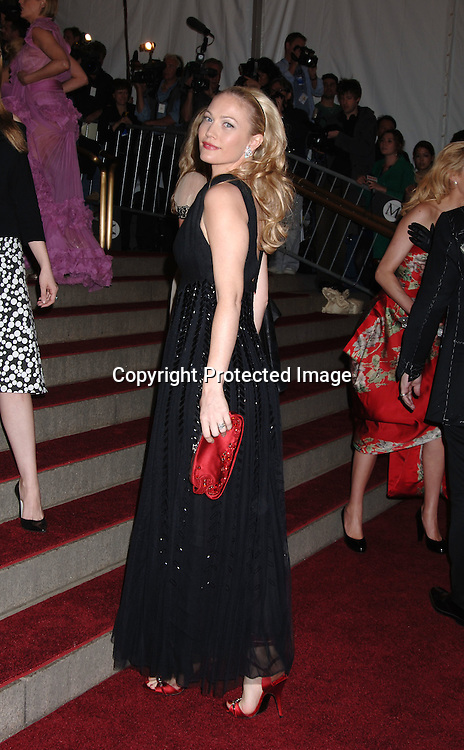 Sarah Wynter ..arriving to the Costume Institute Gala celebrating AngloMania on May 1, 2006 at The Metropolitan Museum of ..Art. ..Robin Platzer, Twin Images..