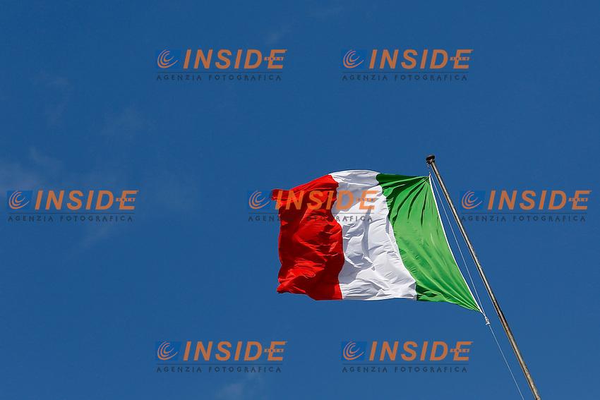 La bandiera italiana che sventola sul palazzo del Quirinale<br /> Roma 12-03-2015 Piazza del Quirinale. Inaugurazione dell'Anno Giudiziario alla Consulta.<br /> Photo Samantha Zucchi Insidefoto