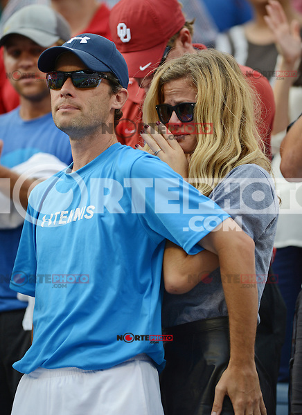 FLUSHING NY- SEPTEMBER 5: Brooklyn Decker reacts after her husband Andy Roddick losing his last match to Juan Martin Del Potro on Armstrong stadium at the USTA Billie Jean King National Tennis Center on September 5, 2012 in in Flushing Queens. Credit: mpi04/MediaPunch Inc. ***NO NY NEWSPAPERS*** /NortePhoto.com<br /> <br /> **CREDITO*OBLIGATORIO** *No*Venta*A*Terceros*<br /> *No*Sale*So*third* ***No*Se*Permite*Hacer...<br /> more »