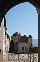 Europe/France/Rhône-Alpes/74/Haute-Savoie/Annecy:le Château - la Cour d'honneur, le Logis Perrière et la Tour Perrière