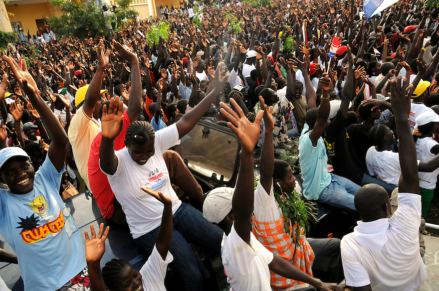 Bissau/June 26 - Thousands of supporters showed up to listen to presidential candidate Kumba Yala two days before the election in Guinea-Bissua. The West African country held the election to replace João Bernardo Vieira, who was assassinated four months ago...