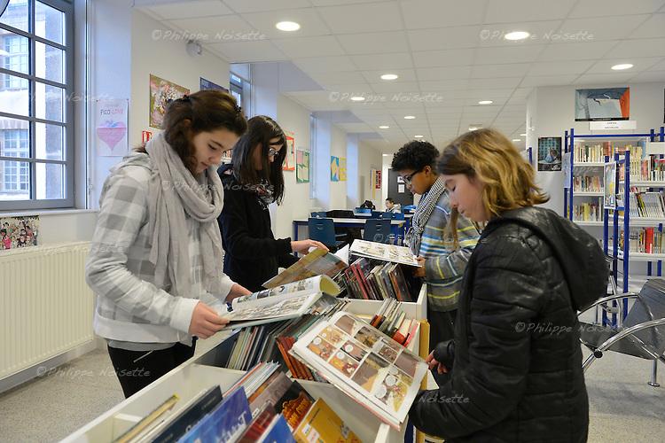 Reportage au coll&egrave;ge Colbert &agrave; Cholet (Maine-et-Loire).<br /> Au Centre de Documentation et d'Information&hellip;