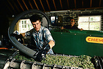 'WINE IN ENGLAND, SOMERSET', PETER AT NORTH WOOTTON VINEYARD, MAKING MUSH. PETER IS ONE OF THE FULL TIME EMPLOYEES ON THE VINEYARD, 1989