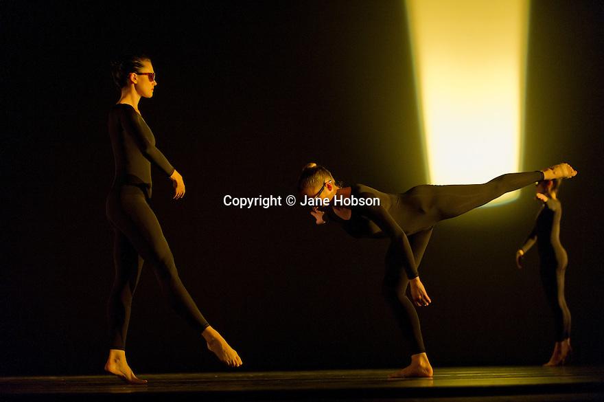 "London, UK. 05/10/2011. Merce Cunningham Dance Company presents ""Antic Meet"", which was first performed in 1958. Dancers: Dylan Crossman, Emma Desjardins, Jennifer Goggans, Daniel Madoff, Krista Nelson and Melissa Toogood. Mandatory credit: Jane Hobson"