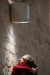 [CHAIR_S]<br /> Gilles Viandier chorégraphie; Alberto Carretero composition musicale; Marta Capaccioli, Gaspard Charon, Marie Simon danse et chant; Ahmed Amine Ben Feguira, Nicolas Garnier, Clotilde Rullaud, Elsa Marquet-Lienhart musique et chant<br /> Abbaye de Royaumont – Réfectoire des moines<br /> 25/08/2018