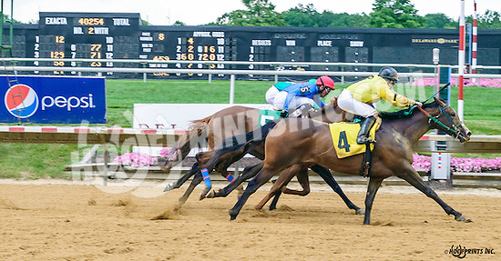 Arch's Cutie winning at Delaware Park on 7/9/16