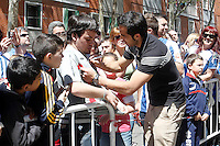 Real Sociedad's Claudio Bravo with the supporters after La Liga match.April 14,2013. (ALTERPHOTOS/Acero)