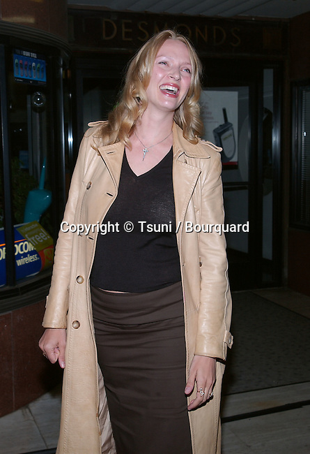 "Uma Thurman arriving at the Michel comte auction to benefit "" People and Place with No Name "" in assocoation with the International Red Cross at the Ace Gallery in Los Angeles. March 19, 2002.            -            ThurmanUma02A.jpg"