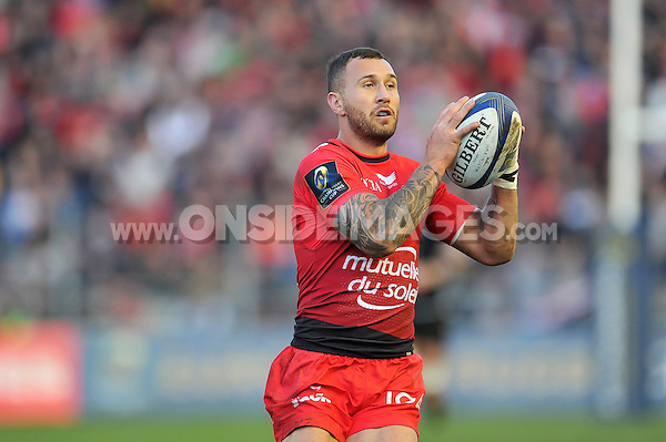 Quade Cooper of Toulon in possession. European Rugby Champions Cup match, between RC Toulon and Bath Rugby on January 10, 2016 at the Stade Mayol in Toulon, France. Photo by: Patrick Khachfe / Onside Images