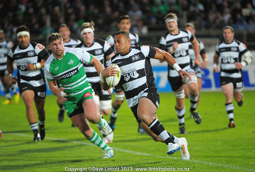 Robbie Fruean on attack during the ITM Cup rugby chamiponship final match between Manawatu Turbos and Hawkes Bay Magpies at FMG Stadium, Palmerston North, New Zealand on Friday, 24 October 2014. Photo: Dave Lintott / lintottphoto.co.nz