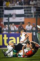 SÃO PAULO,SP,08 JUNHO 2103 - CAMPEONATO BRASILEIRO - CORINTHIANS x PORTUGUESA - Canete jogador da Portuguesa durante partida Corinthians x Portuguesa em jogo válido  pela 05º rodada do Campeonato Brasieliro no Estádio Paulo Machado de Carvalho (Pacaembú) na tarde sabado (08). FOTO ALE VIANNA - BRAZIL PHOTO PRESS.