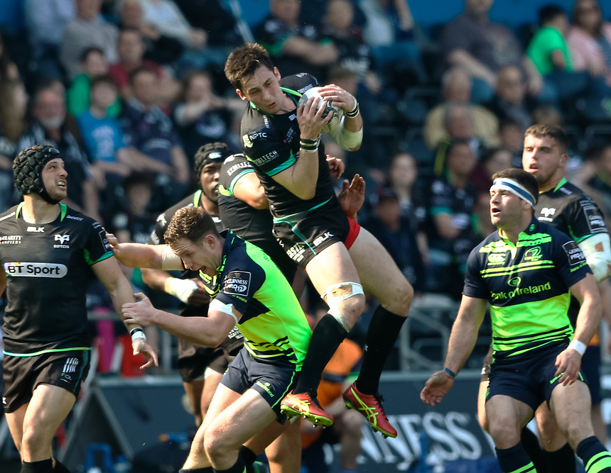 Ospreys' Sam Davies takes a high ball<br /> <br /> Photographer Simon King/CameraSport<br /> <br /> Guinness PRO12 Round 19 - Ospreys v Leinster Rugby - Saturday 8th April 2017 - Liberty Stadium - Swansea<br /> <br /> World Copyright &copy; 2017 CameraSport. All rights reserved. 43 Linden Ave. Countesthorpe. Leicester. England. LE8 5PG - Tel: +44 (0) 116 277 4147 - admin@camerasport.com - www.camerasport.com