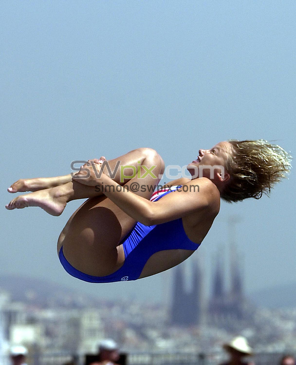 Pix: Matthew Lewis/SWpix.com. Diving. 10th Fina World Championships 2003, Barcelona. 18/07/2003...COPYRIGHT PICTURE>>SIMON WILKINSON>>01943 436649>>..Great Britain's Tracey Richardson competes in the Womens 3m Springboard Preliminary's.